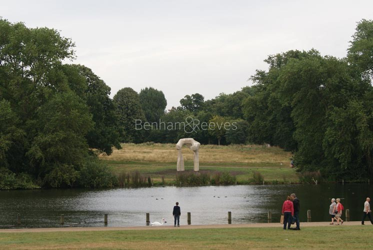 Hyde Park Area Guide - Image 3
