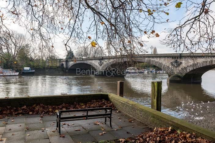 Kew Area Guide - Image 1