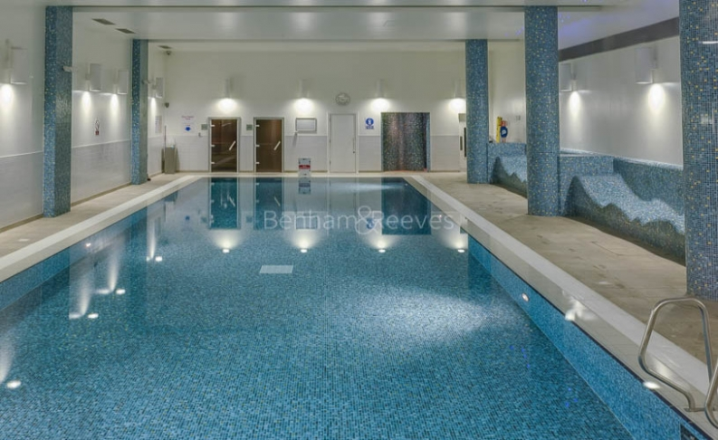 Studio flat to rent in Station Approach, Hayes, UB3-image 9