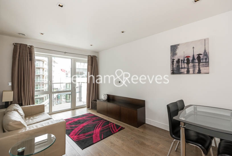 1 bedroom(s) flat to rent in Dickens Yard, Ealing, W5-image 1
