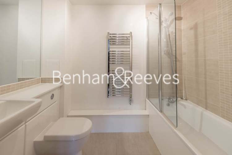1 bedroom(s) flat to rent in Park Lodge Avenue, West Drayton, UB7-image 4
