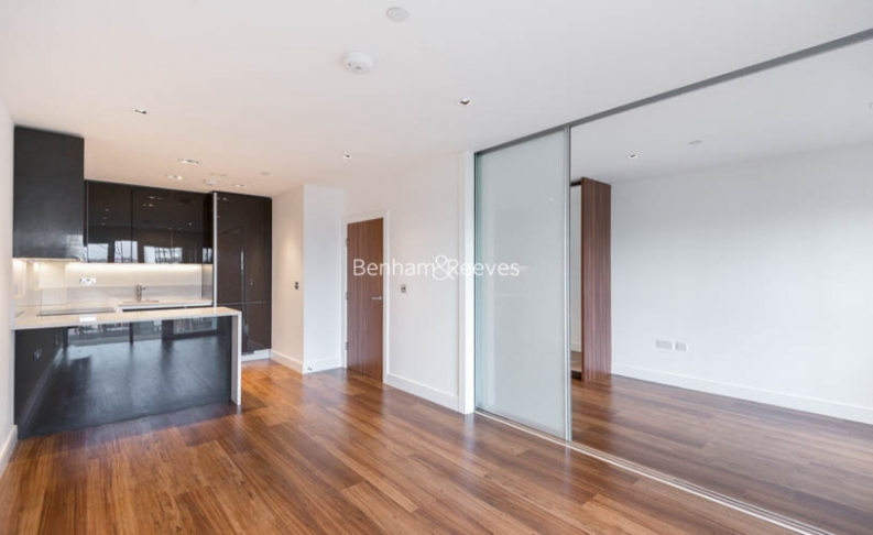 Studio flat to rent in Dickens Yard, Ealing, W5-image 1