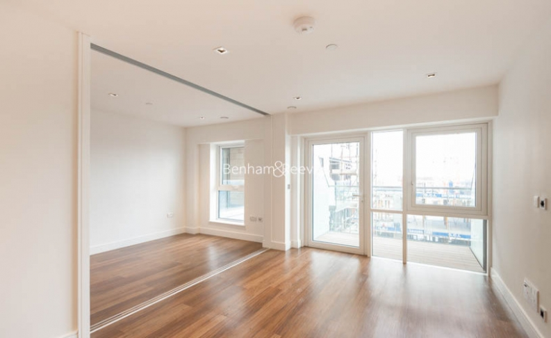 Studio flat to rent in Dickens Yard, Ealing, W5-image 2