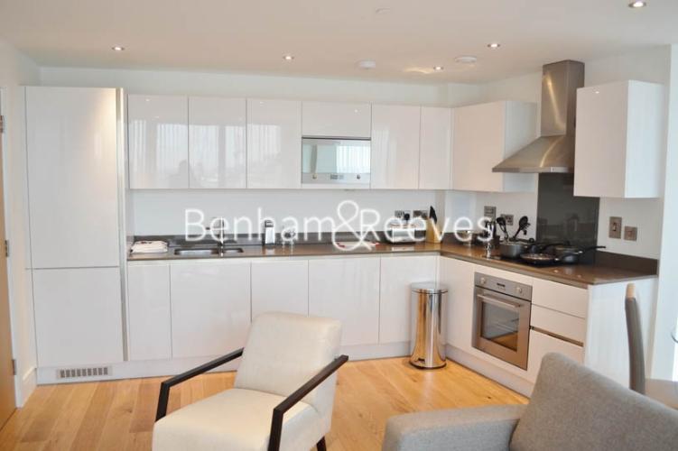 2 bedroom(s) flat to rent in Uxbridge Road, Ealing, W5-image 2