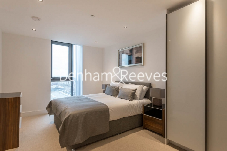 2 bedroom(s) flat to rent in Uxbridge Road, Ealing, W5-image 8
