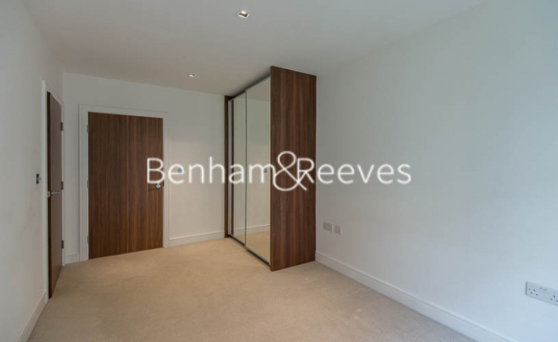 2 bedroom(s) flat to rent in Longfield Avenue, Ealing, W5-image 3