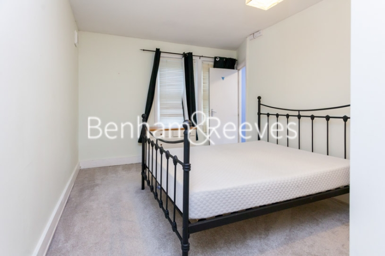 1 bedroom(s) flat to rent in Madeley Road, Ealing, W5-image 4