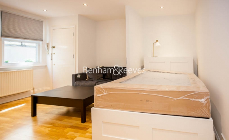 Studio flat to rent in Madeley Road, Ealing, W5-image 4