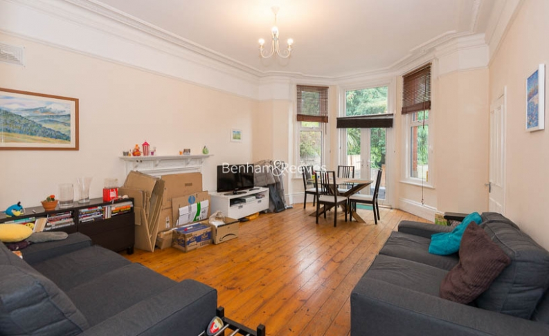 1 bedroom(s) house to rent in Madeley Road, Ealing, W5-image 2