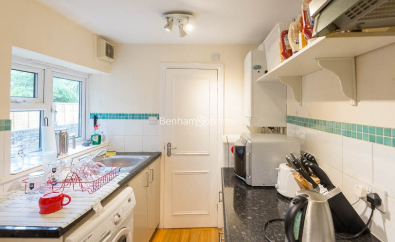 1 bedroom(s) house to rent in Madeley Road, Ealing, W5-image 3