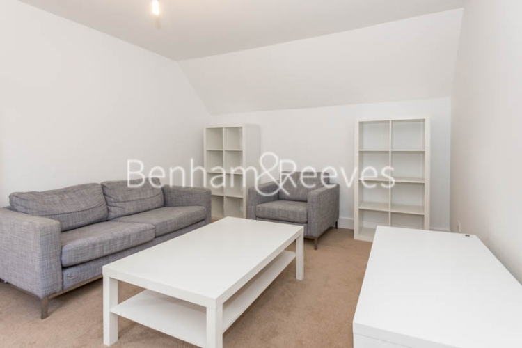 1 bedroom(s) flat to rent in Madeley Road, Ealing W5-image 1