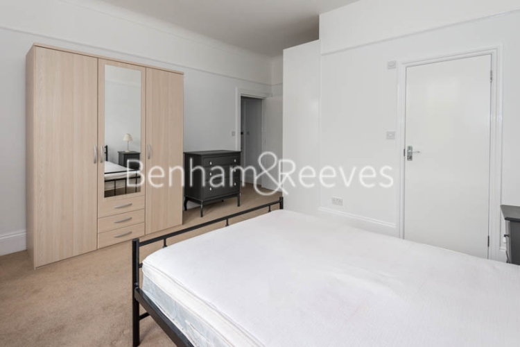 1 bedroom(s) flat to rent in Madeley Road, Ealing W5-image 9