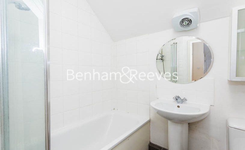 Studio flat to rent in Madeley Road, Ealing, W5-image 8