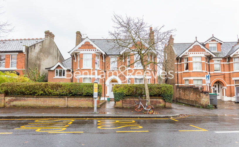 Studio flat to rent in Madeley Road, Ealing, W5-image 9