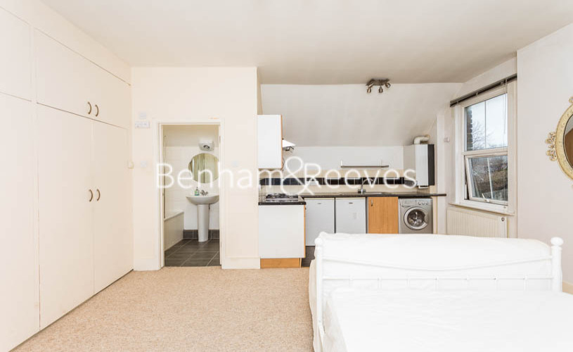 Studio flat to rent in Madeley Road, Ealing, W5-image 10