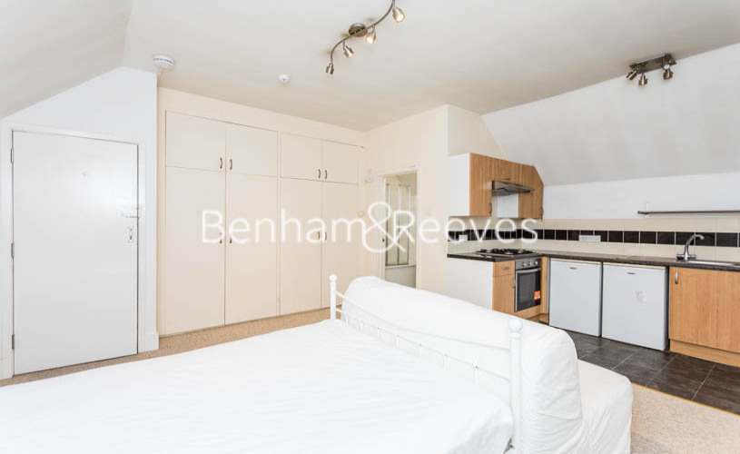 Studio flat to rent in Madeley Road, Ealing, W5-image 11