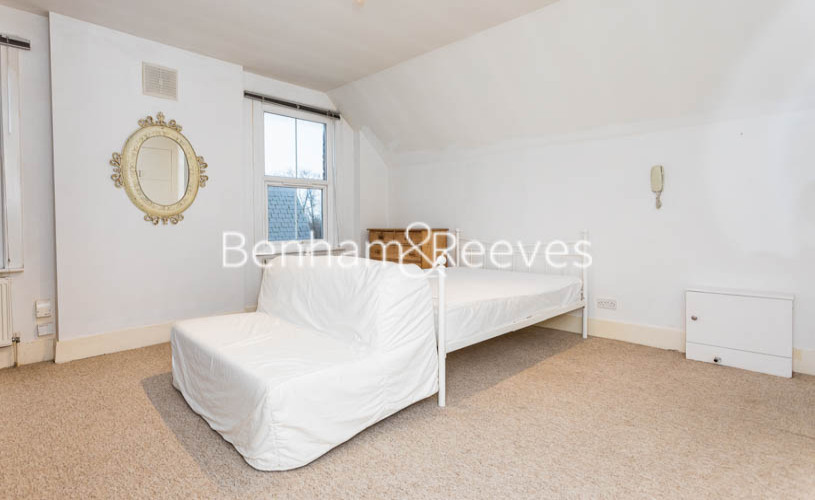 Studio flat to rent in Madeley Road, Ealing, W5-image 13