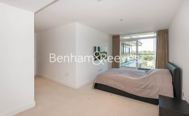 3 bedroom(s) flat to rent in Longfield Avenue, Ealing, W5-image 3