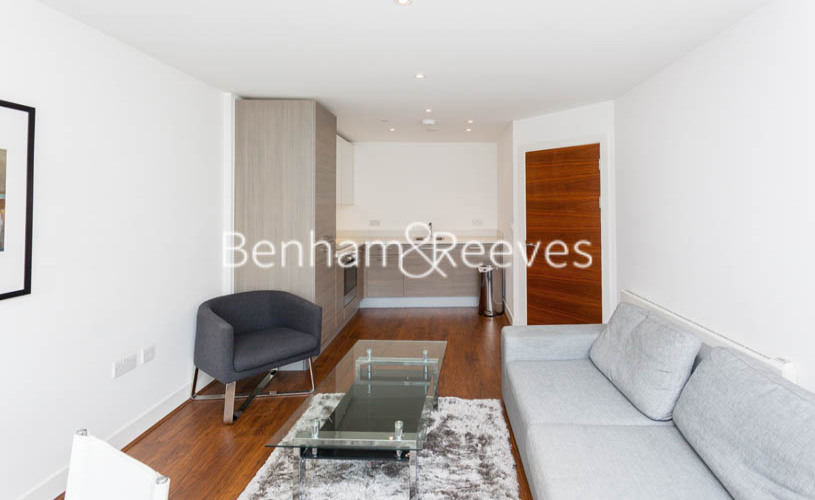 1 bedroom(s) flat to rent in Bromyard Avenue, Acton, W3-image 2