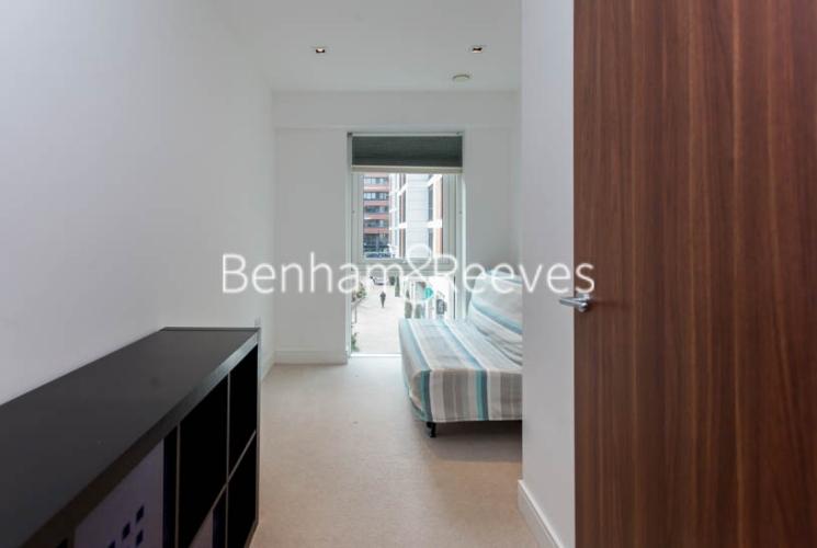 2 bedroom(s) flat to rent in Dickens Yard, Ealing, W5-image 8