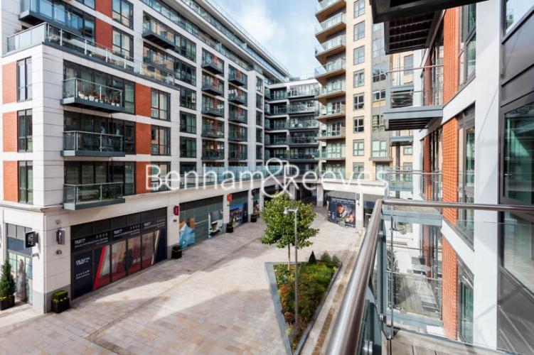 2 bedroom(s) flat to rent in Dickens Yard, Ealing, W5-image 10