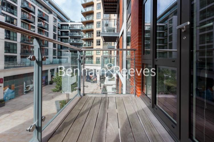 2 bedroom(s) flat to rent in Dickens Yard, Ealing, W5-image 13