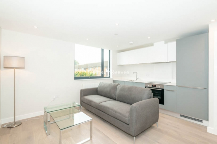 1 bedroom(s) flat to rent in Field End Road, Ruislip, HA4-image 1