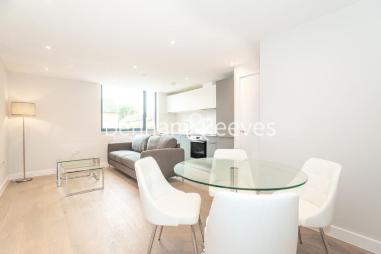 1 bedroom(s) flat to rent in Field End Road, Ruislip, HA4-image 3