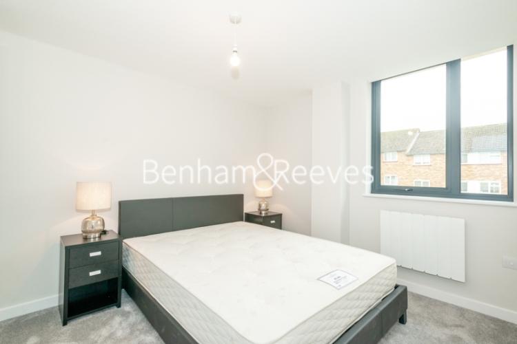 1 bedroom(s) flat to rent in Field End Road, Ruislip, HA4-image 4