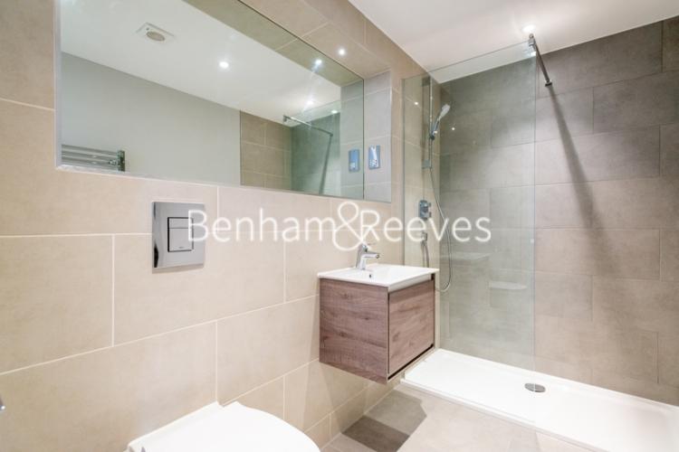 1 bedroom(s) flat to rent in Field End Road, Ruislip, HA4-image 5