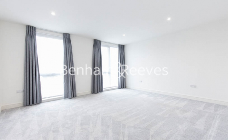 4 bedroom(s) house to rent in Seaford Road, Northfields, W13-image 3