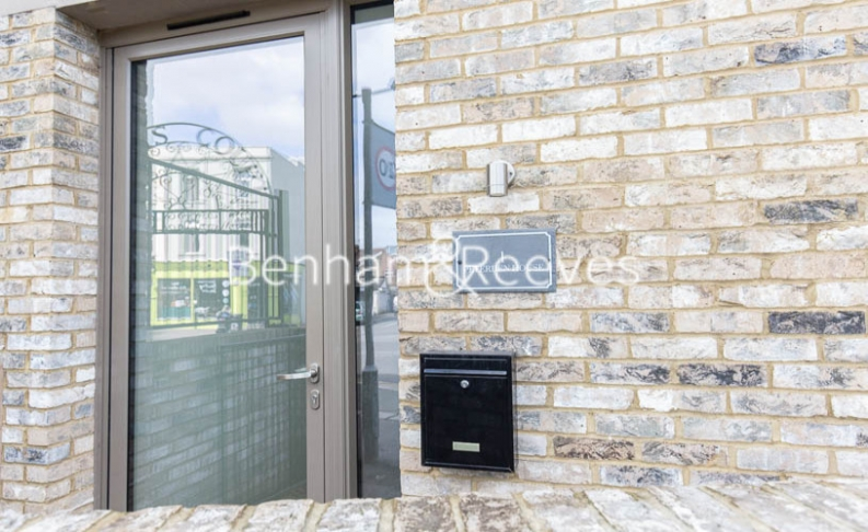 4 bedroom(s) house to rent in Seaford Road, Northfields, W13-image 6