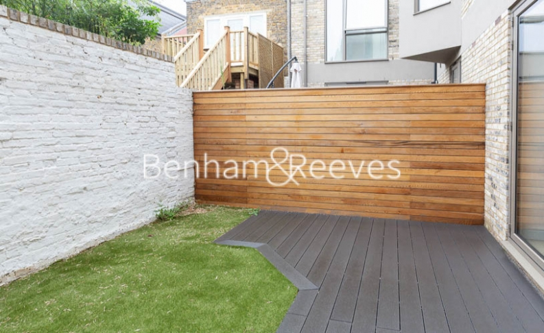 4 bedroom(s) house to rent in Seaford Road, Northfields, W13-image 7