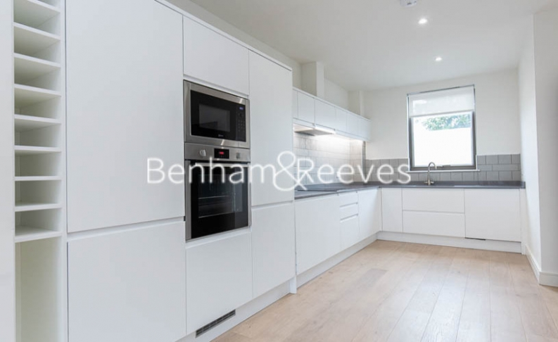 4 bedroom(s) house to rent in Seaford Road, Northfields, W13-image 9