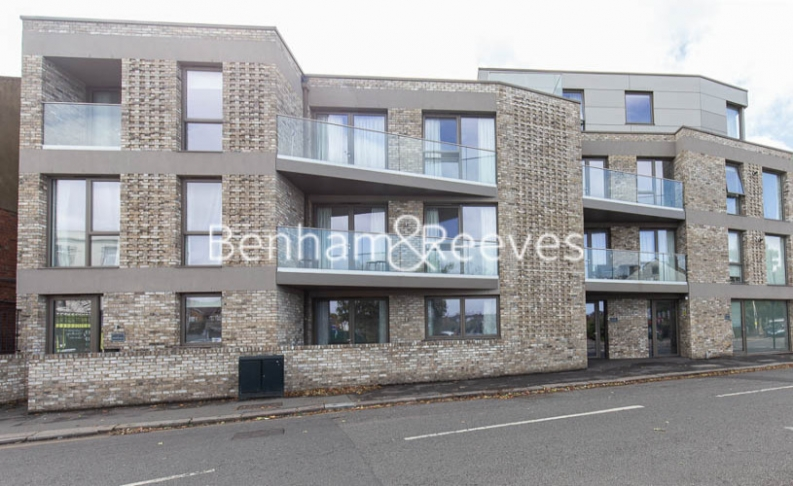 4 bedroom(s) house to rent in Seaford Road, Northfields, W13-image 12