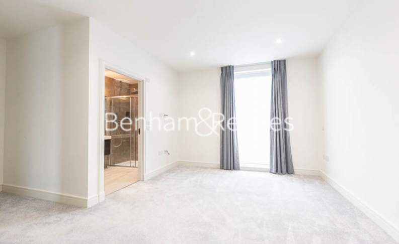 4 bedroom(s) house to rent in Seaford Road, Northfields, W13-image 13