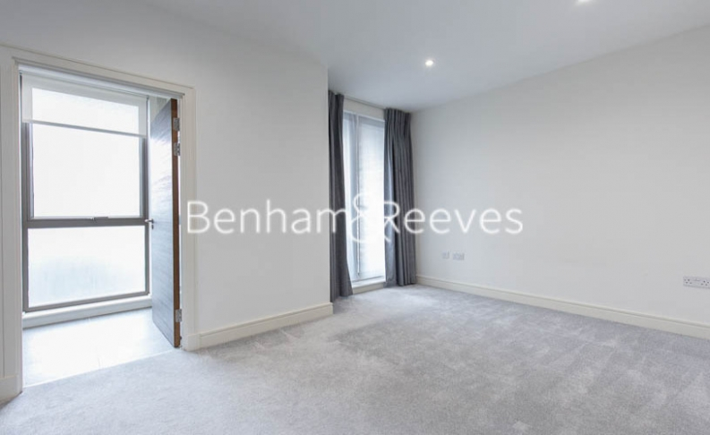 4 bedroom(s) house to rent in Seaford Road, Northfields, W13-image 15
