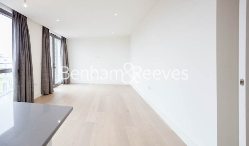 2 bedroom(s) flat to rent in Seaford Road, Northfields, W13-image 1