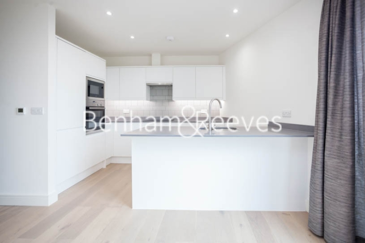 2 bedroom(s) flat to rent in Seaford Road, Northfields, W13-image 2
