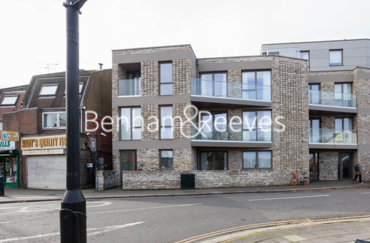 2 bedroom(s) flat to rent in Seaford Road, Northfields, W13-image 6