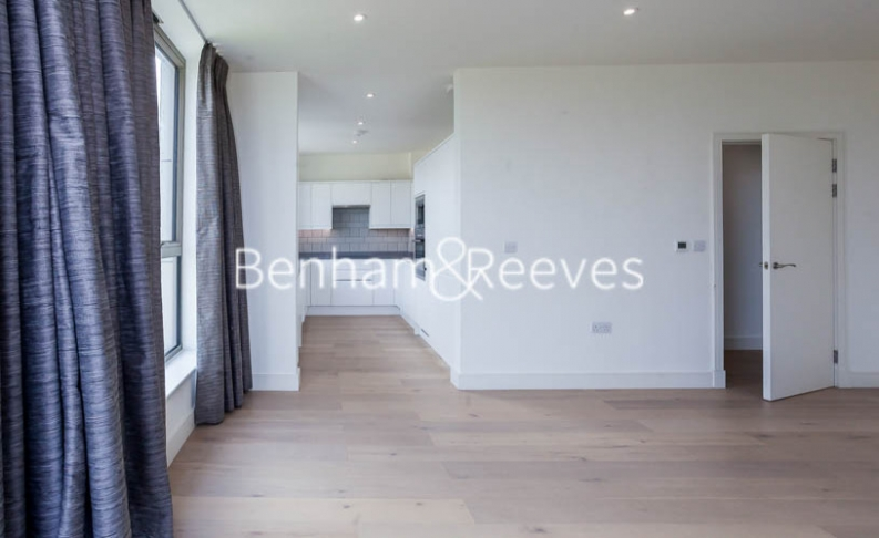 2 bedroom(s) flat to rent in Seaford Road, Northfields, W13-image 9
