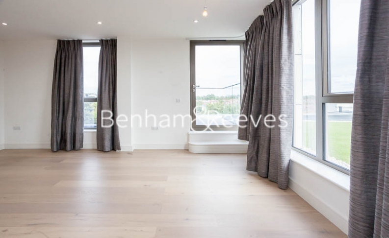 2 bedroom(s) flat to rent in Seaford Road, Northfields, W13-image 11
