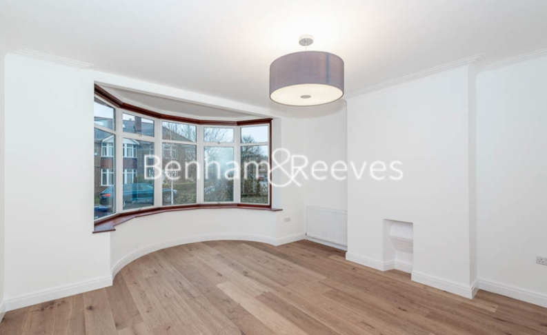 3 bedroom(s) house to rent in Kingfield Road, Ealing, W5-image 1