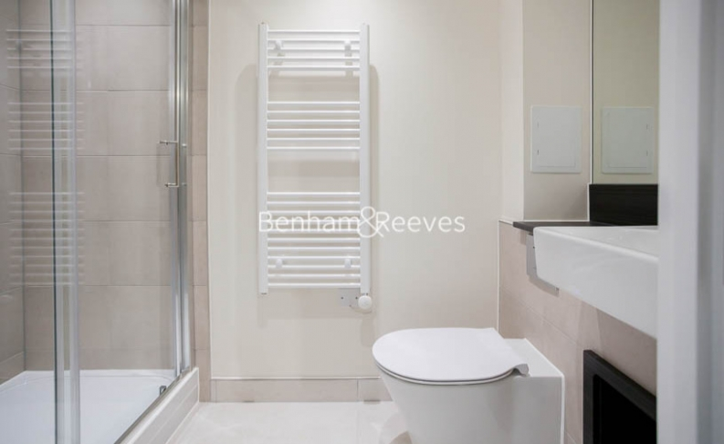 3 bedroom(s) flat to rent in Lensview Close, Harrow, HA1-image 8