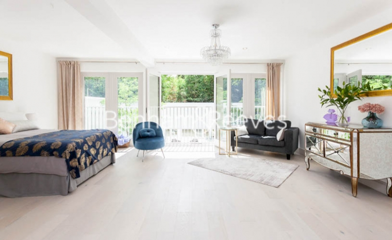 3 bedroom(s) flat to rent in Montpelier Road, Ealing, W5-image 9