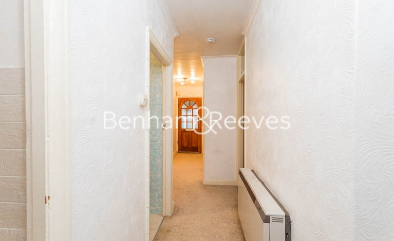 1 bedroom(s) flat to rent in Connell Crescent, Ealing, W5-image 5