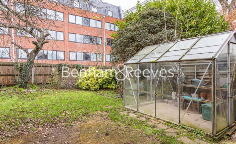 1 bedroom(s) flat to rent in Connell Crescent, Ealing, W5-image 6