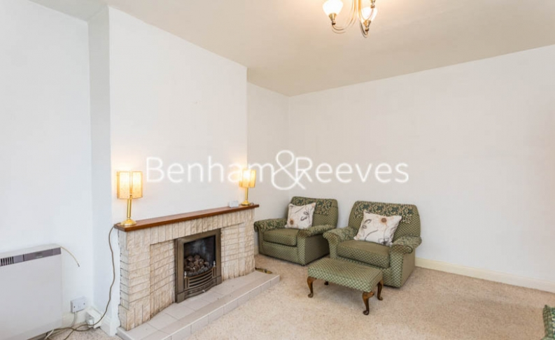 1 bedroom(s) flat to rent in Connell Crescent, Ealing, W5-image 7