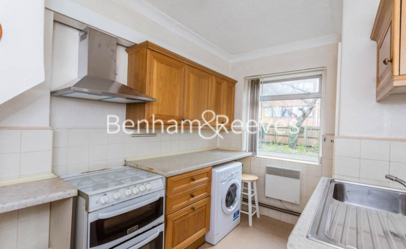1 bedroom(s) flat to rent in Connell Crescent, Ealing, W5-image 8