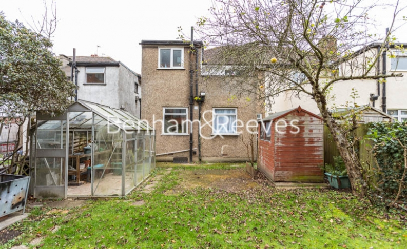 1 bedroom(s) flat to rent in Connell Crescent, Ealing, W5-image 11